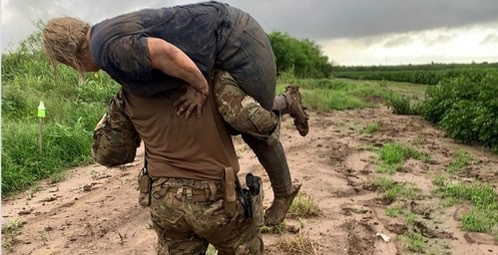 Border Patrol agent saves illegal immigrant injured while being smuggled at border