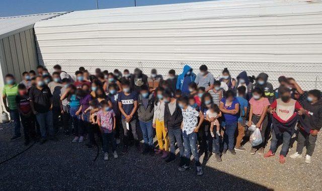 120 Migrants Apprehended After Crossing Border into Arizona